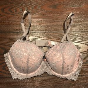 Victoria's Secret Lace Lined Demi Bra - Sz. 36C